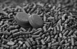Granulés et de comprimés de charbon actif
