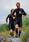 Les combinaison de trail offrent des propriétés de respirabilité et de confort quelques soient les conditions climatiques. Par exemple, les tissus en polyamide/polyuréthane (80/20) avec traitement fl uoré sont imperrésistants, légers, permettent un séchage rapide et assurent un effet seconde peau. ce sont des